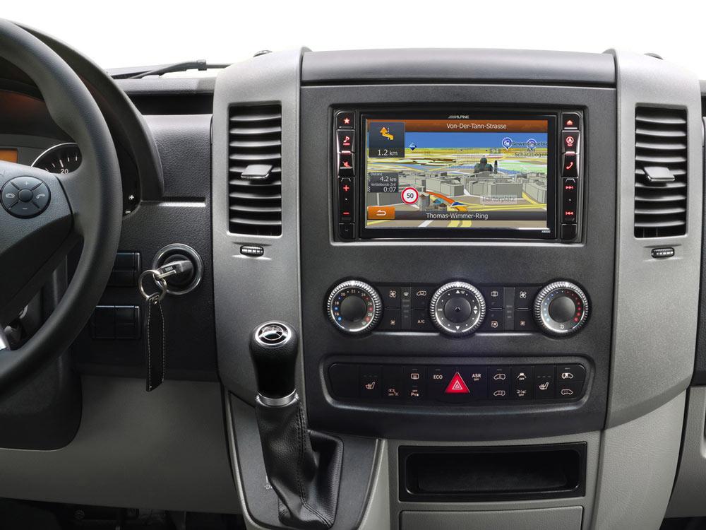 Mercedes-Sprinter-906-Navigation-OEM-Original-Replacement-Radio-Installation-Kit-Interface-SWRC-X800D-S906_01